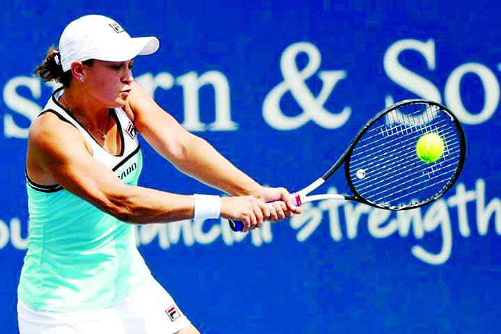 Barty reaches Cincy semis