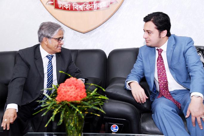 ACU representative meets DU VC