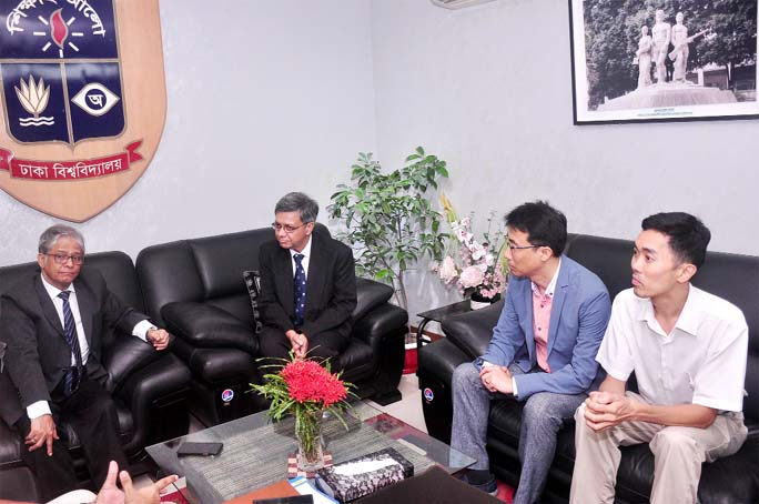 Prof Dr Pradeep Ray, Prof Dr Kwee-Yan Teh and Prof Dr Soong Chul of the University of Michigan-Shanghai Jiao Tong University Joint Institute, China meet Dhaka University Vice Chancellor Prof Dr Md. Akhtaruzzaman at the latter's office of the university on Monday.  (PC: DU Public Relations)