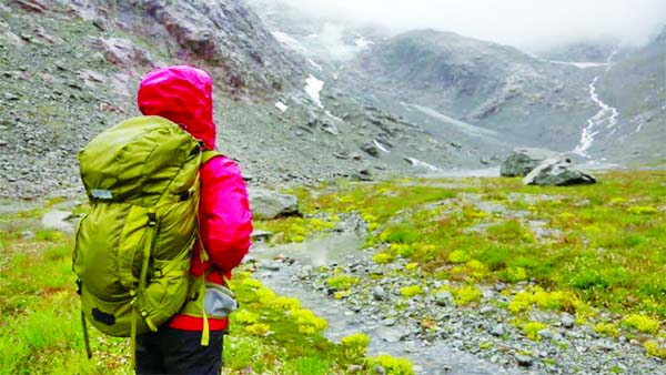 Essentials you  must  carry on a  monsoon trek