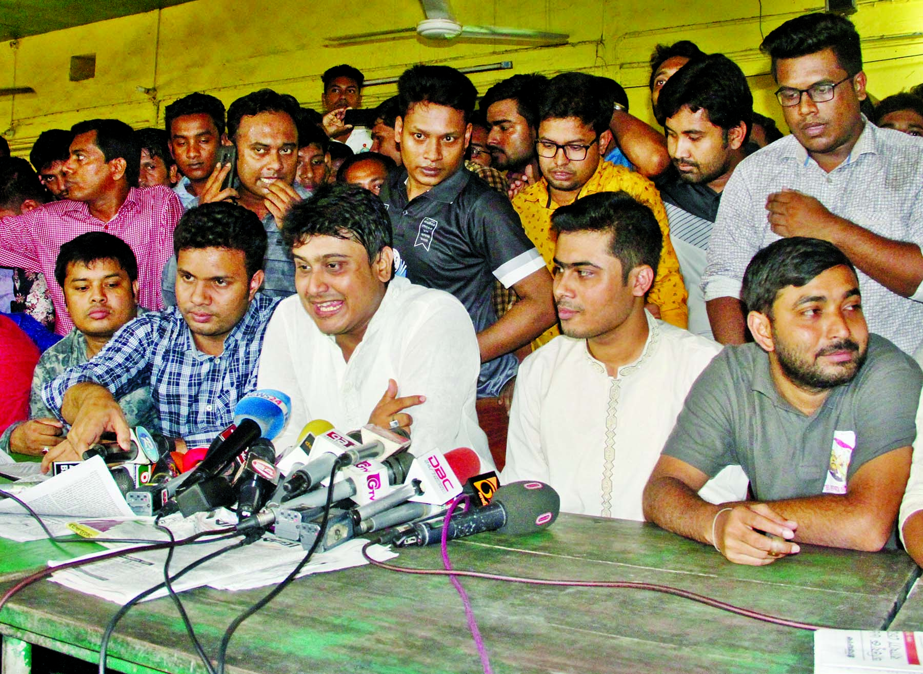 Al Nahian Khan Joy, Acting President of Bangladesh Chhatra League speaking at a press conference at Madhur's Canteen on  Dhaka  University campus yesterday.