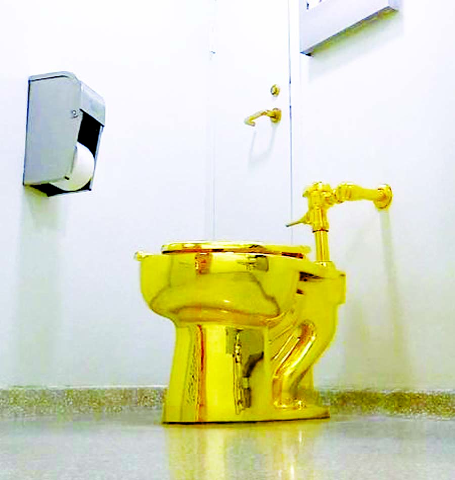 $5 m gold toilet from Britain's Blenheim Palace stolen