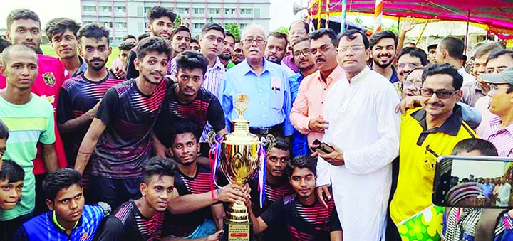 RAMPAL( Bagerhat): Alhaj Talukafer Abdul Khalek, Mayor, Rajshahi City Corporation   handing over the trophy of the  winner team of Bnagabandhu Sheikh Mujibur Rahman Jatiya Gold CUP Tournament as Chief Guest recently.
