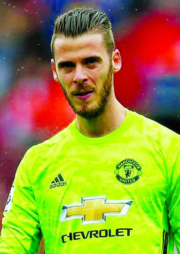 David de Gea signs new deal at Man Utd