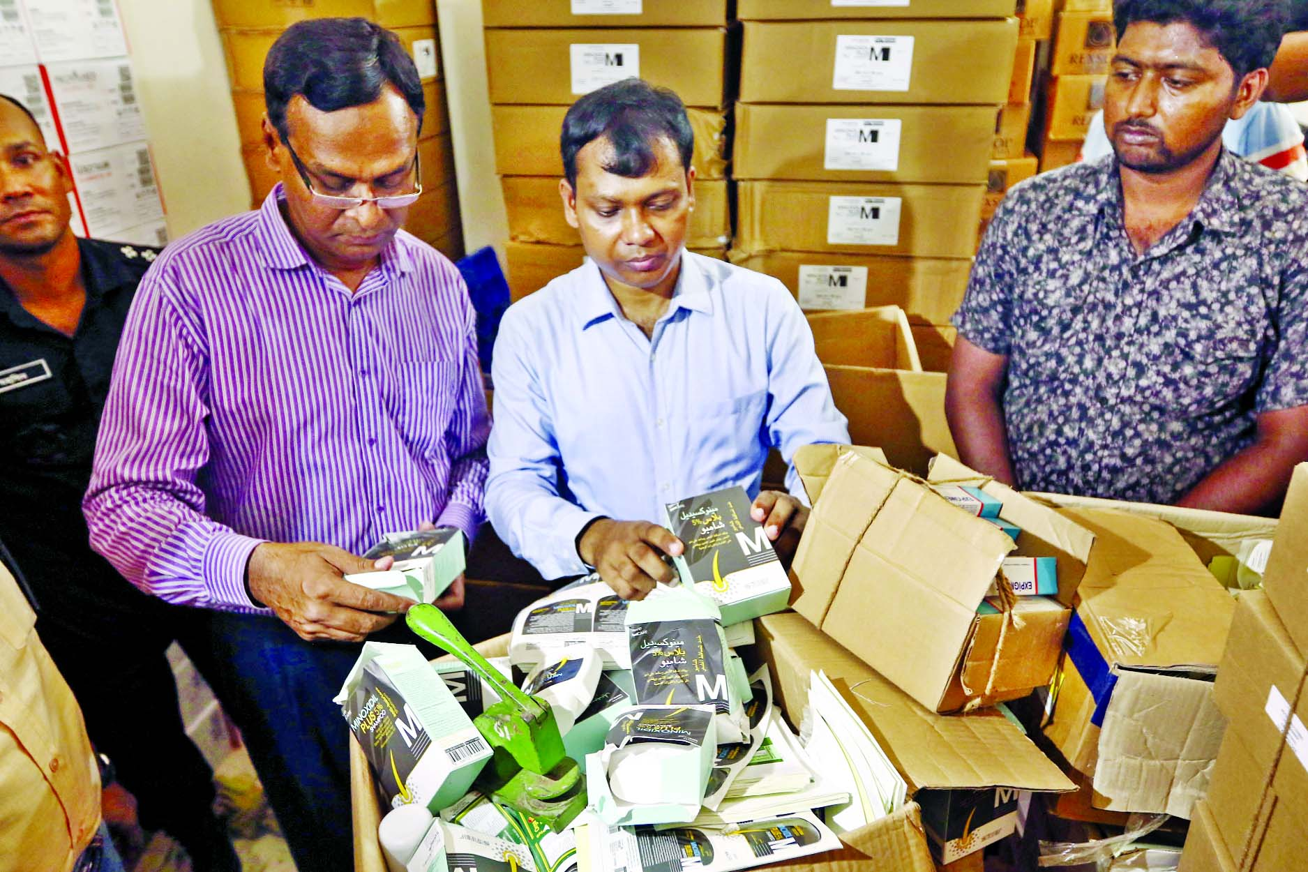 A mobile court led by RAB executive magistrate Mohammad Sarwar Alam fined two companies Tk 40 lakh for producing and selling spurious drugs at Hatirpool market in Dhaka on Tuesday.