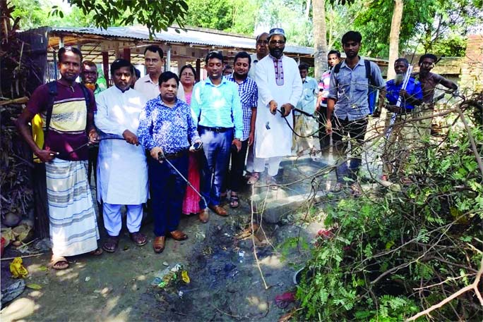 SHERPUR (Bogura): Md Layakat Ali Sheikh, UNO, Sherpur Upazila inaugurating cleanliness and mosquitoes eliminating  drive at Chandijan Village as Chief Guest yesterday.