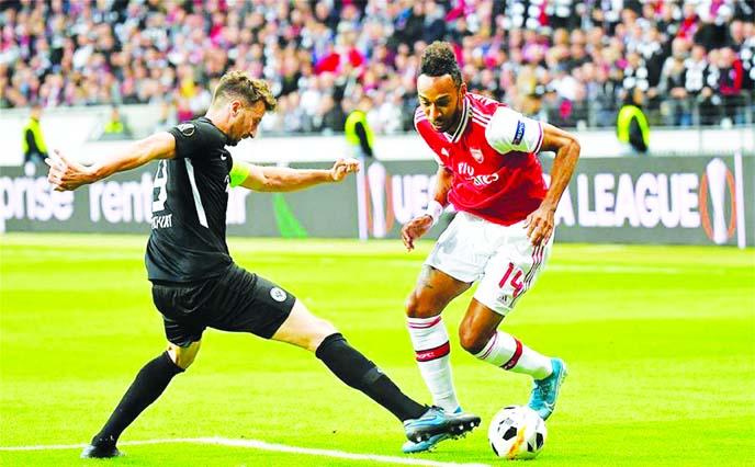 Arsenal down Frankfurt 3-0 in Europa League
