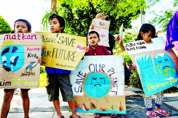 School children hit streets in vast global climate strike