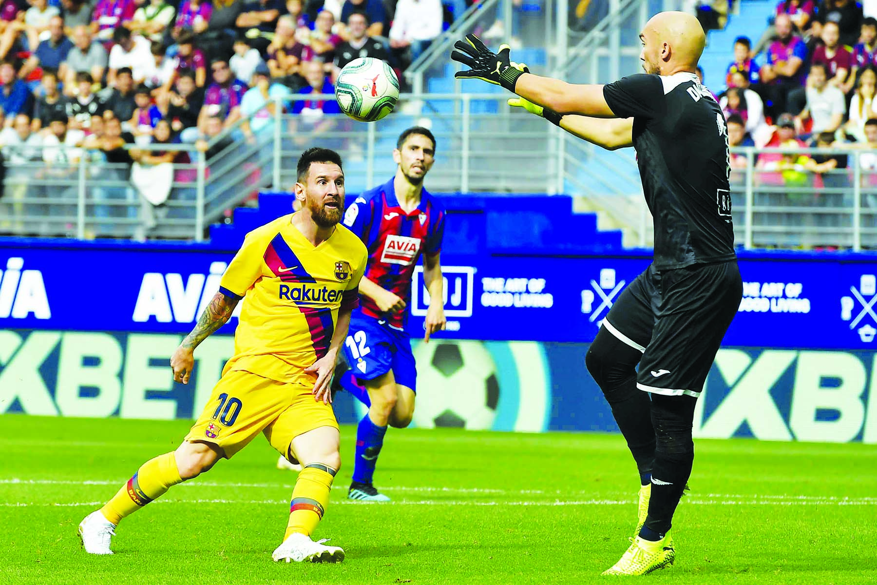 Barcelona beat Eibar 3-0 in La Liga
