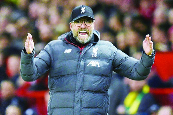 Klopp rues VAR failure to rule out Man Utd goal as Liverpool held