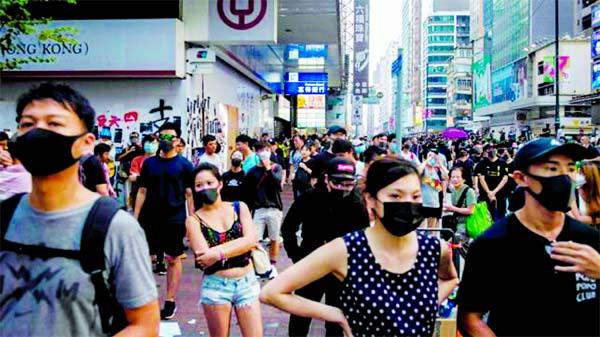 Hong Kong leader struggles to end crisis