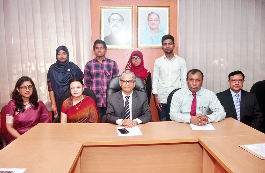 4 DU students get Prof Nazma Begum Trust Fund Scholarship