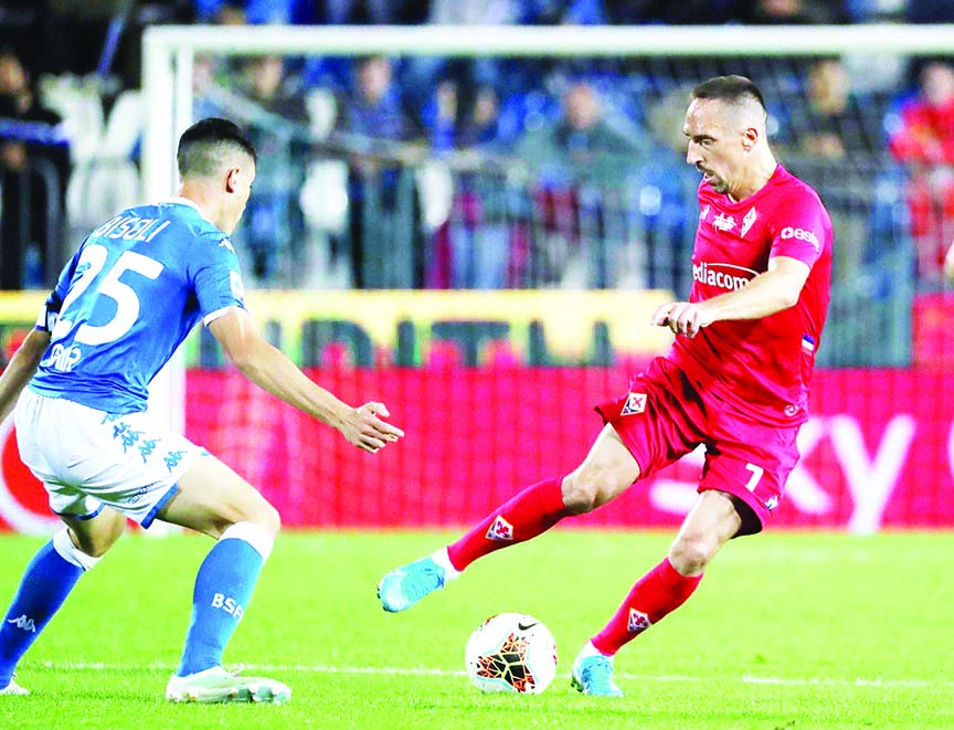 Brescia's Dimitri Bisoli (left) and Fiorentina's Franck Ribery in action during their Italian Serie A soccer match between Brescia and Fiorentina at the Mario Rigamonti stadium in Brescia, Italy on Monday.
