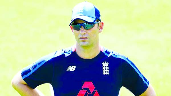 Shane Bond keen on England bowling coach's job