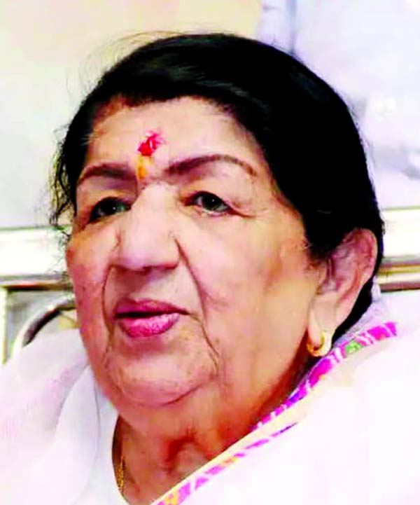 Lata Mangeshkar's health improves