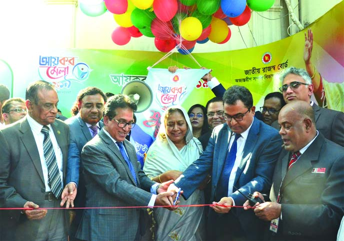 Month-long handicrafts fair begins in Rajshahi