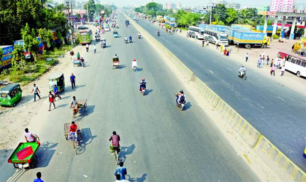 Dhaka-Chattogram Highway looks deserted on Wednesday as vehicles went off the road following the transport strike enforced by transport workers and owners.