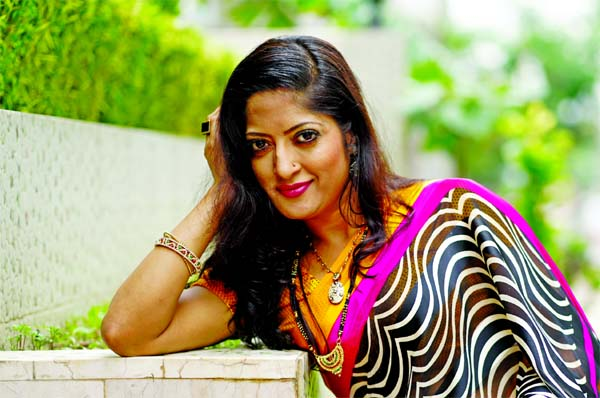 Homayra Himu returns to theatre play