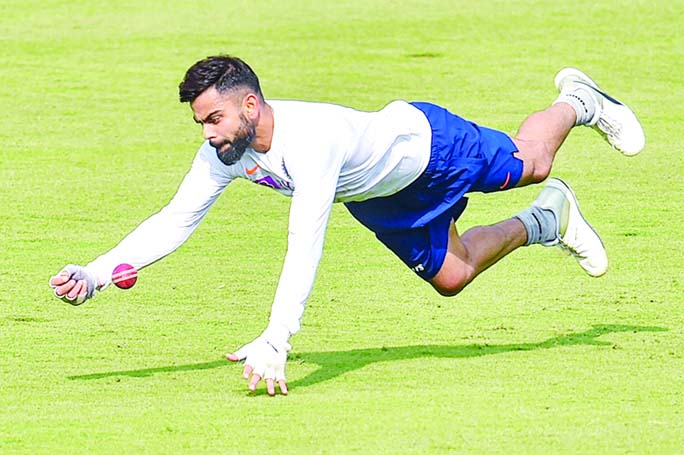Fielding biggest challenge with pink ball, says Kohli