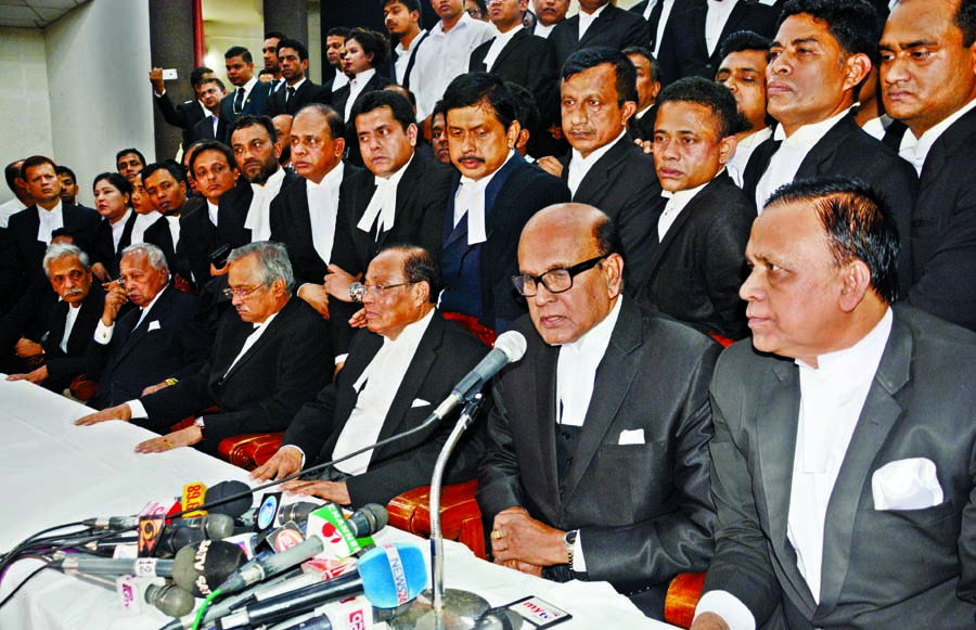 Chaos in SC over Khaleda's bail