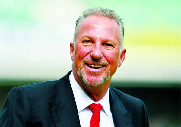 Botham hails 'amazing big brother' Willis
