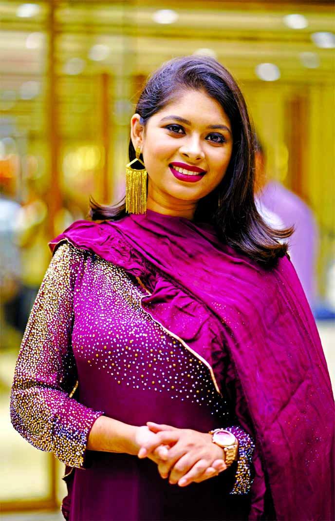 Luipa renders Chitra Singh's song
