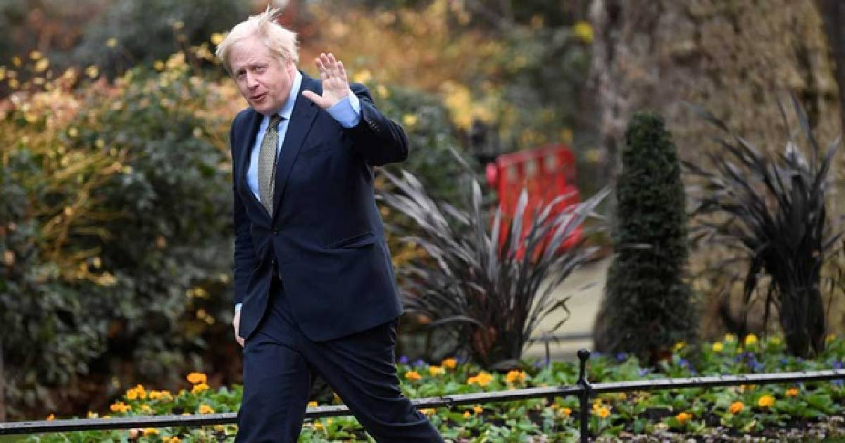 Johnson arrives at palace to form new government