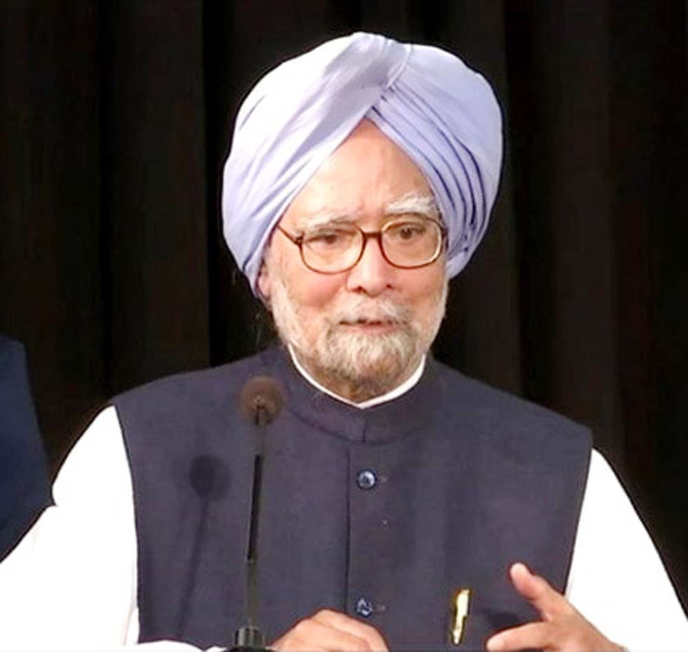 Modi only misled people in last 6 years': Manmohan Singh