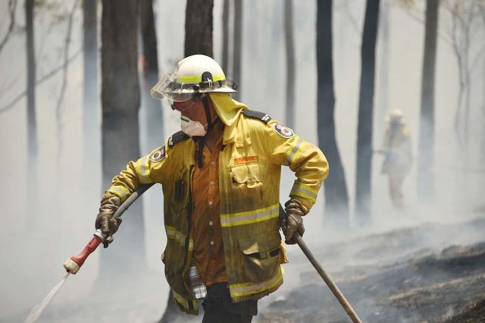 Australian PM calls up reservists as fire escalating
