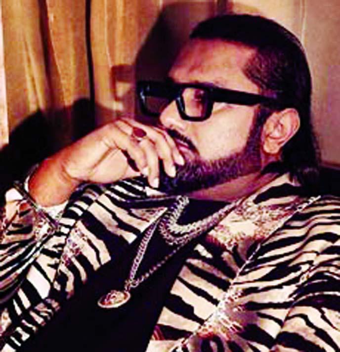 Yo Yo Honey Singh shares an adorable throwback picture