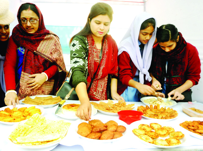BOGURA: The 18th 'Pitha Utsab ' was arranged at Shaheed Titu Auditorium jointly  organised by Little Theater and Bangladesh Gram Theatre assisted by  District Administration  recently.