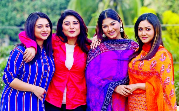 Samantha, Kajol Suborno, Parsa Evana, Nishat Priyom together