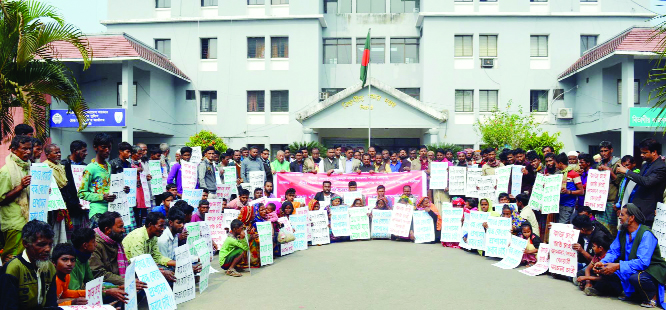SYLHET: Syed Md Moksud Ahmed, President, Sylhet District Truck and Covered Van Owners Association speaking at a human chain after submission of memorandum to divisional commissioner demanding opening of stone quarry in Jaflong , Sreepur and Bholaganj recently.