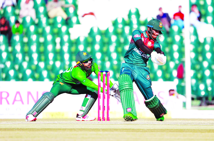 Bangladesh opener Mohammad Naim bats during the first T20I against Pakistan in at Gaddafi Stadium in Lahore of Pakistan on Friday.