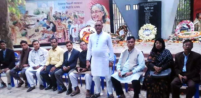 Syed Mahfuz Hannan, son of declarer of Independence Md Hannan on behalf of Bangabandhu speaking at a discussion meeting marking the Mass Killing Day of Chattogram on Thursday.