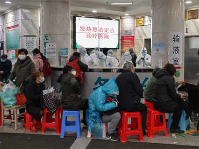 Foreigners flown out of China virus epicentre, death toll hits 132