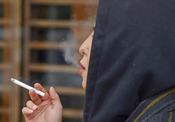 Saudi women smoke in public to 'mark' their freedom