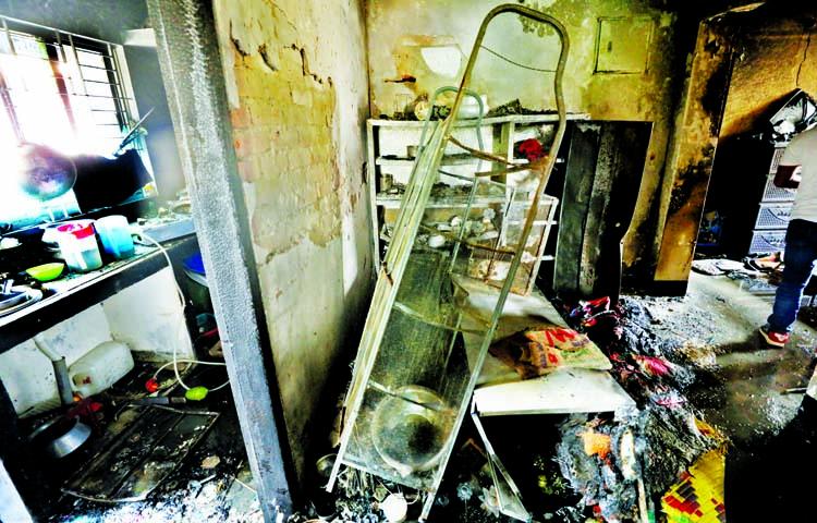 1 dies, 7 others injured in N'ganj gas fire