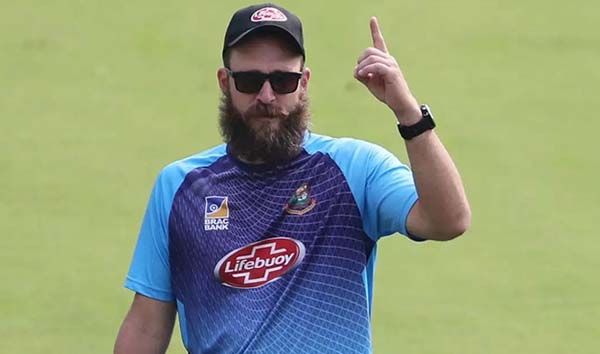 BCB planning to twinge the contract of Vettori