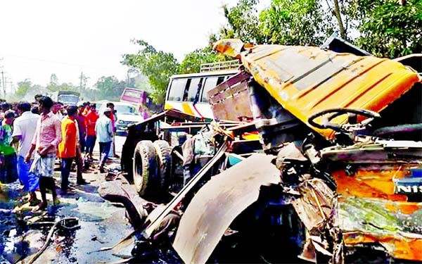 Ten killed in road accidents