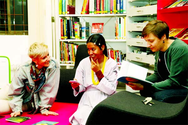 Pop-Up of Sister Library by Aqui Thami at Goethe-Institut