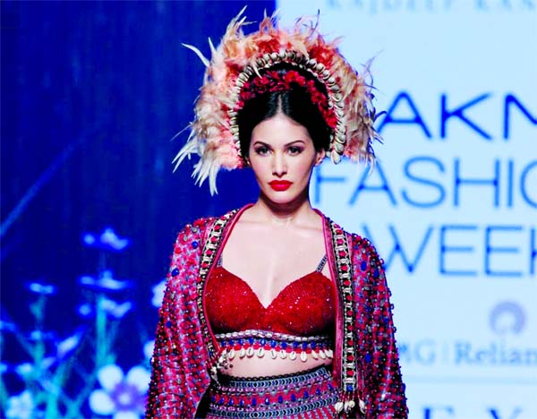 Amyra Dastur joins cast of Excel Entertainment's Dongri to Dubai