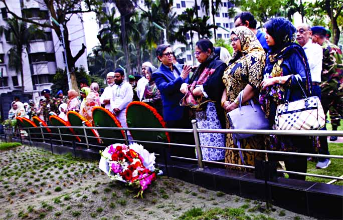 Tributes paid to martyrs