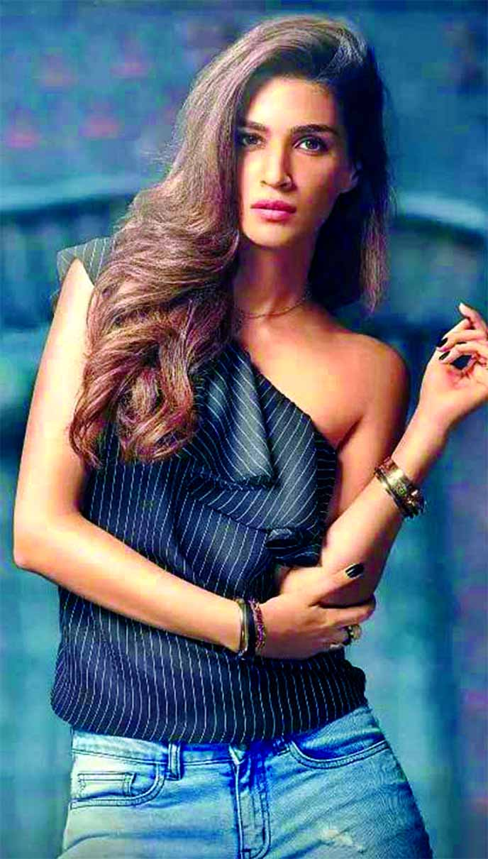 Kriti Sanon brings fashion in full spring