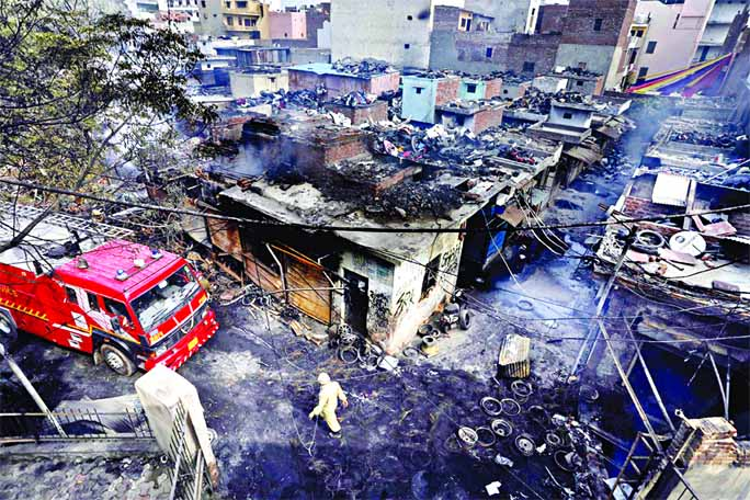 Sporadic violence in Delhi ; Death toll rises to 37