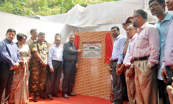 CCC Mayor A J M Nasir Uddin inaugurating Bangabandhu's monument  at the Port City yesterday.