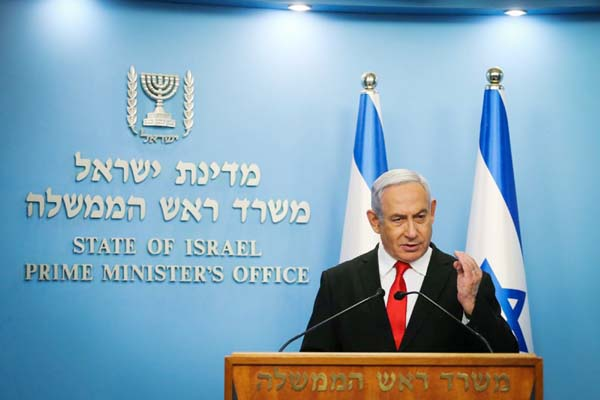 Netanyahu offers to step down next year in unity deal