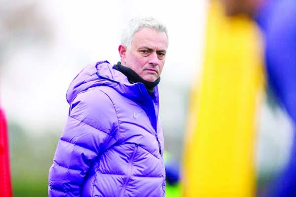 Jose to take Spurs training via video