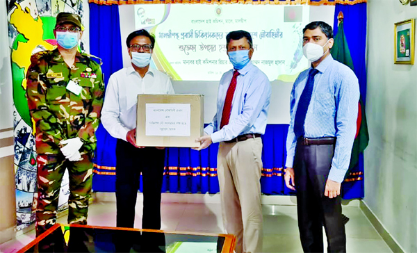Bangladeshi Envoy to Maldives Rear Admiral Nazmul Hasan handing over medicine and medical safety equipment for Bangladeshi physicians and health workers living in Maldives at a ceremony held on Tuesday on behalf of Bangladesh Navy with a view to tackling coronavirus.