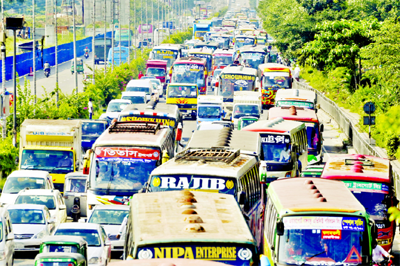 Heavy traffic congestion across the capital on Monday after the government lifted months long nationwide coronavirus shutdown. This photo was taken from Airport Road.